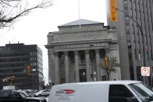 ساختمان یکی از بانک های کانادایی مستقر در شهر وینی پگ استان مانیتوبا