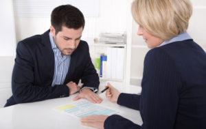 مشاور یا وکیل مهاجرت